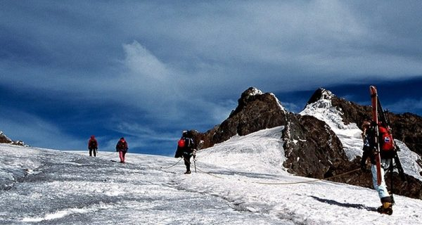 8 Days Rwenzori Mountains hiking trip_800x533